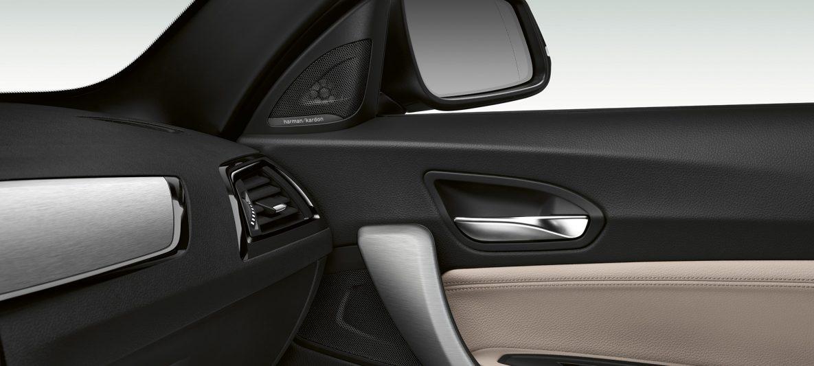 BMW 2er Cabrio, Seitentürverkleidung