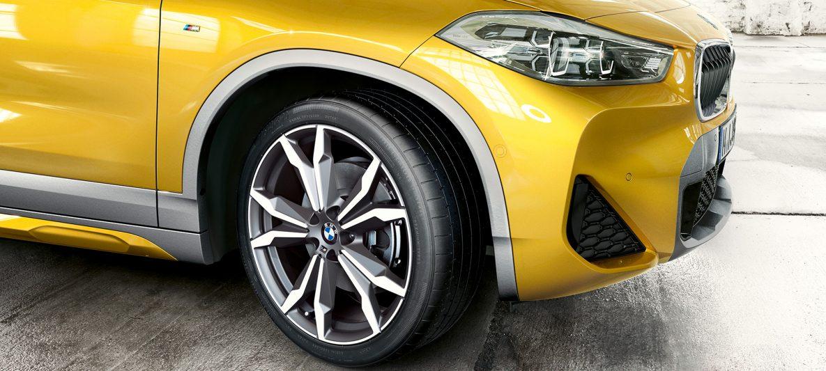 BMW X2 2018 F39 Galvanic Gold metallic Leichtmetallräder